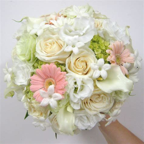 wedding flowers peach buffalo wedding event flowers by lipinoga florist