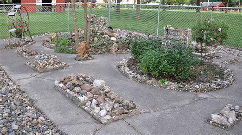 Memorial Rocks For Garden Martha Timm Memorial Rock Garden Roadsidearchitecture