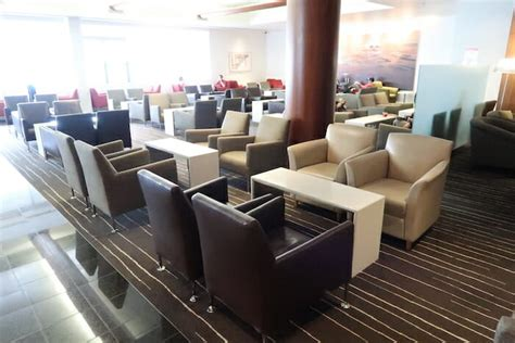 qantas business class lounge auckland  traveling  miles