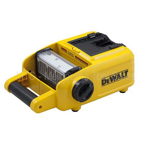 dewalt 20v area light dewalt dcl060 18v 20v max cordless led work area light