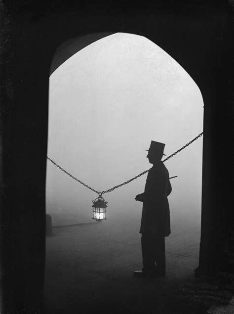 13 imagens sombrias de Londres no início do século 20