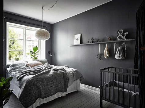 desain kamar tidur warna hitam tampak elegan anti