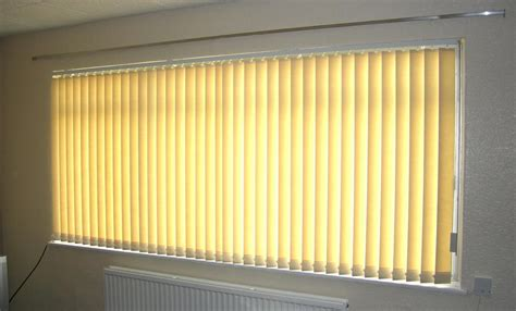 vertical blinds for bay windows vertical blinds bay window window treatments design ideas