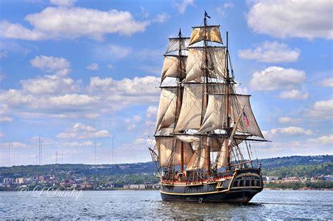 hurricane boat wax the hms bounty sunk by hurricane sandy off n c coast
