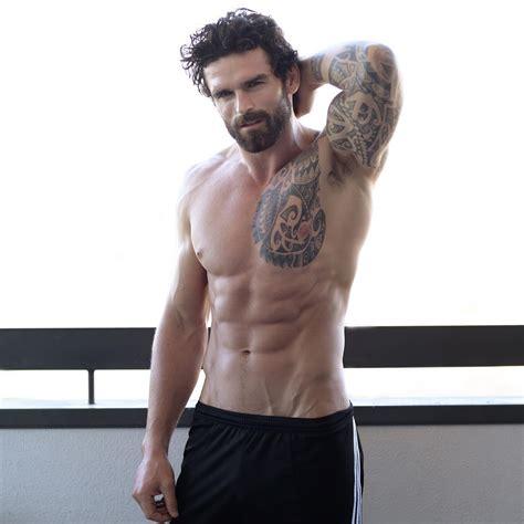 hombres guapos y de buen cuerpo hombres guapos y de bun cuerpo mira a los hombres m 225 s guapos del mundo seg 250 n otros hombres