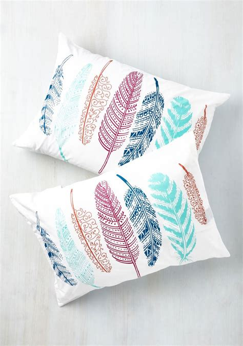Pillows On by Best 25 Feather Pillows Ideas On Wash Feather