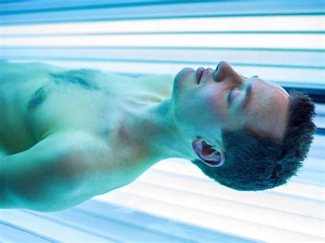 tanning beds and cancer fda wants cancer warnings on tanning beds business insider