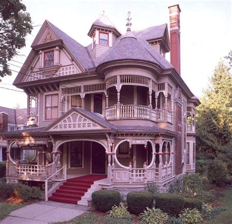 new victorian style homes best 20 victorian houses ideas on pinterest victorian