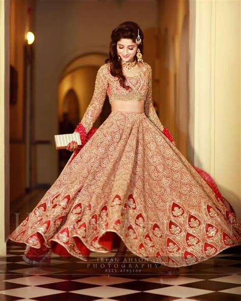 Best Bridal Pictures by Bridal Dresses 2018 Mehndi Barat