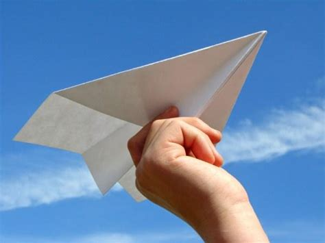 A Paper Airplane - pictures of paper airplanes slideshow