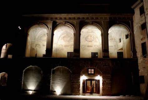 illuminazione facciate esterne illuminazione per facciate esterne pavimenti per esterni