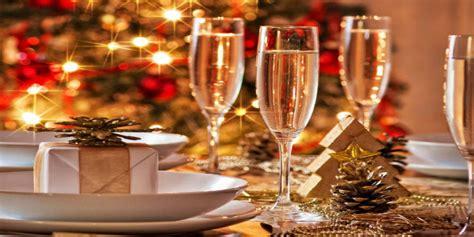 come decorare il tavolo di natale come decorare la casa per un natale di lusso spazi di lusso