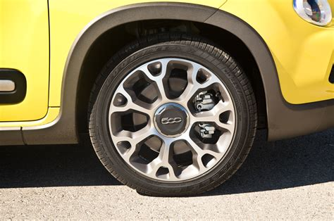Fiat 500l Wheels 2014 Motor Trend Car Of The Year Contender Fiat 500l