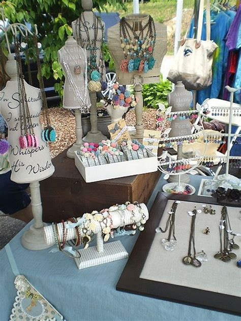 how to make jewelry displays for craft shows craft show display the junquerie ideas for origami owl