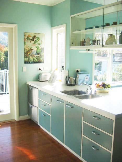 Retro Kitchen Cabinets by 50 S Retro Kitchen Cabinet Colour With White Base My
