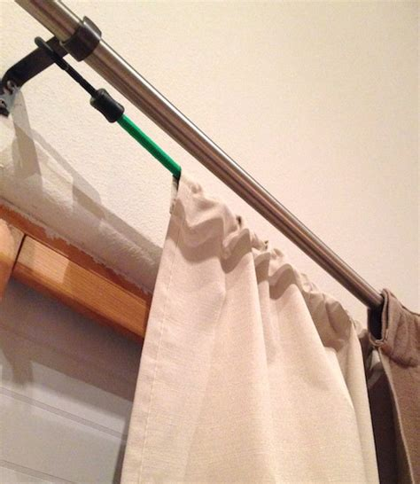 best way to hang curtain rods 25 best ideas about hanging curtain rods on