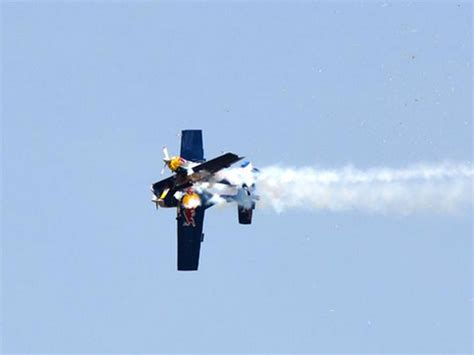 Almost Wing bull stunt planes almost lose wings during mid air