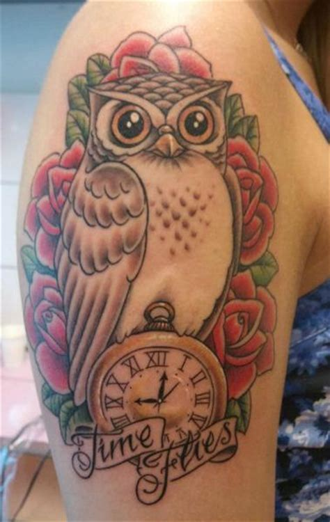 tattoo old school hibou signification tatouage 201 paule horloge old school hibou par stay true tattoo