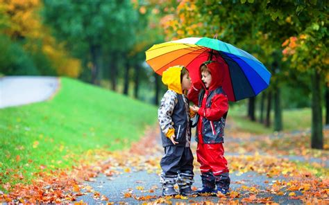 couple wallpaper with umbrella little kids fun under umbrella lovely pics new hd