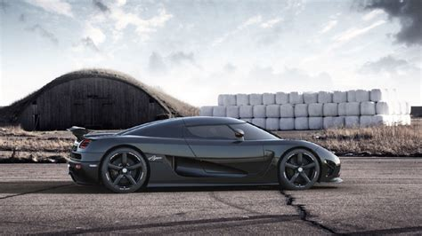 koenigsegg agera r black and koenigsegg agera r white and black imgkid com the
