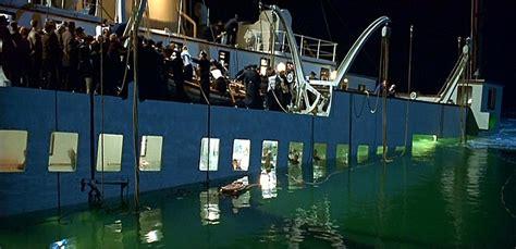 titanic boat sinking movie rms titanic sinking titanic 1997 guardian screen
