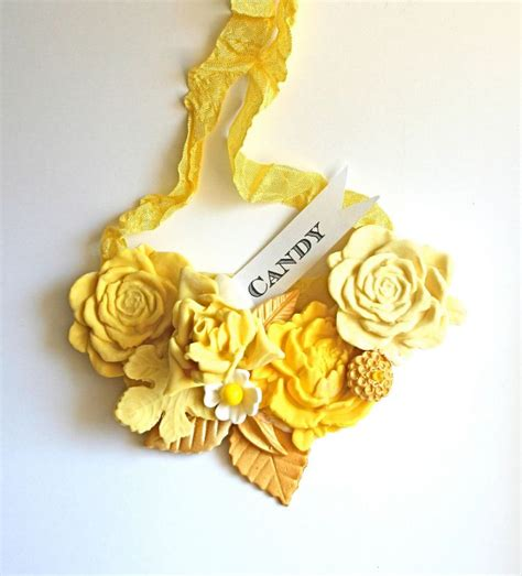 Wedding Bouquet Necklace by Sweet Edible Necklaces Bouquets And More Onewed