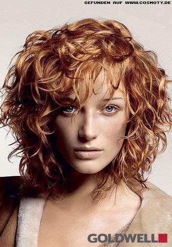 frisuren bilder wild gelockter stufen bob  rot blond