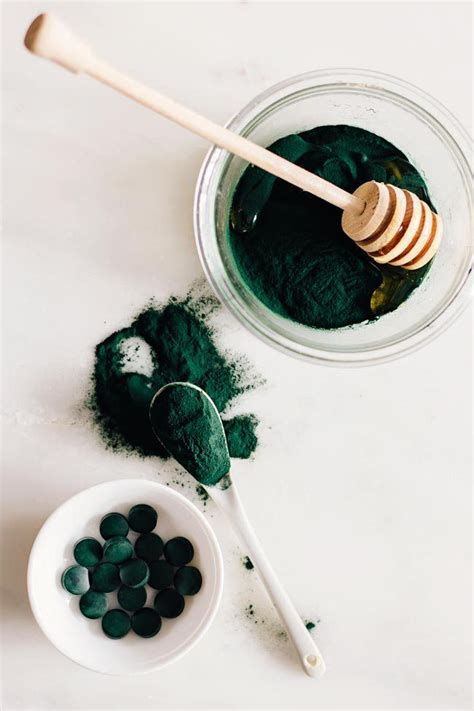 brightening mask diy brightening honey spirulina mask recipe