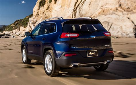 jeep cherokee back 2014 jeep cherokee limited rear three quarter photo 4