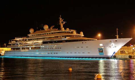 Au Quai Hh by Le Katara Est L Un Des Plus Grand Yacht Du Monde