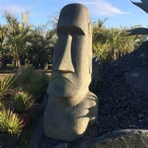 statue moai de jardin