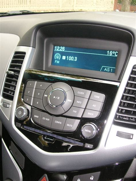 holden cruze cdx 2010 review 2010 holden cruze review caradvice