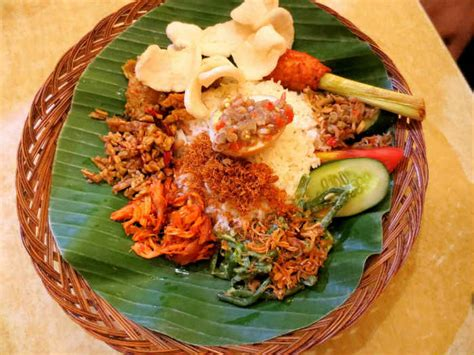 ironis  makanan asli indonesia  lebih populer