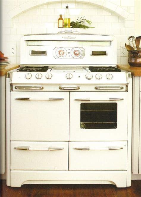 old kitchen appliances kitchen stove vintage kitchen and stove on pinterest