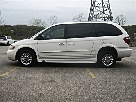 2002 chrysler town and country reviews used 2013 chrysler town and country limited minivan review
