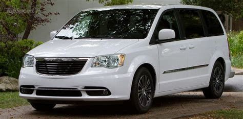 Chrysler Town And Country 2014 by 2014 Chrysler Town And Country Information And Photos