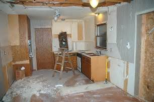 how does it take to install kitchen cabinets how does it take to install granite countertops