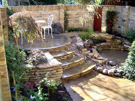 How To Level Your Backyard Landscape by This Multi Level Backyard Landscaping Idea Garden Inspiration Beautiful