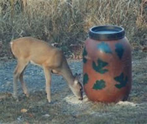 Wildgame Corn Feeder Feeder Deer Turkey Hog Leaf