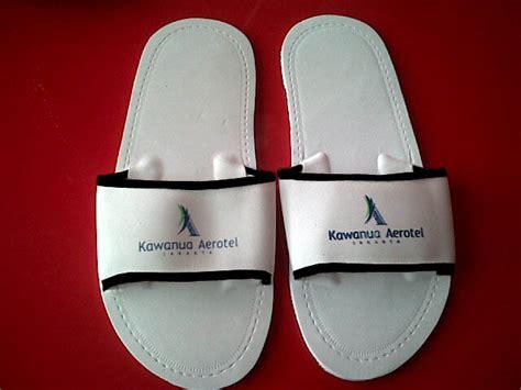 Jual Souvenir Tatakan Gelas Bok Branded souvenir karet rubber pabrik produsen jual gantungan
