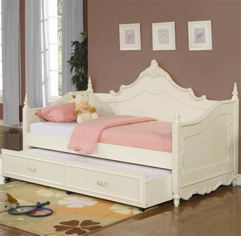 rooms to go day beds gorgeous rooms to go dresser on day beds at rooms to go lovely luxury bedroom furniture ideas