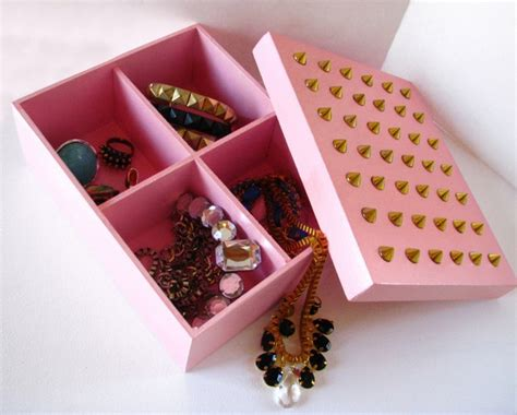 reuse gold to make new jewelry inspiring ways to reuse shoebox 15 things to make