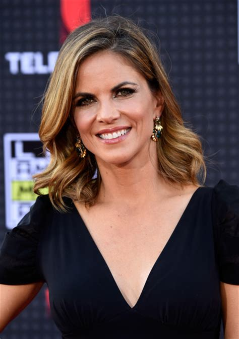 natalie morales hair 2015 natalie morales new haircut march 2015