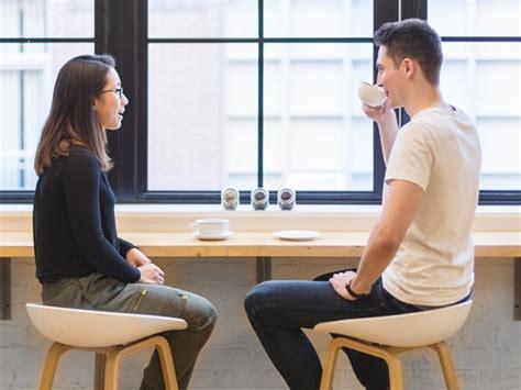preguntas para hacer en una primera cita las 10 preguntas que jam 225 s debes hacer en una primera cita