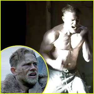 charlie hunnam buff eric bana shows off buff shirtless body in melbourne