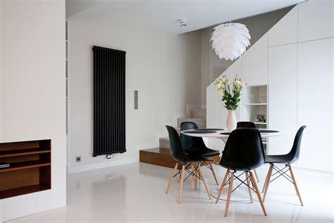 Black Eames Replica Chair (Set 2)