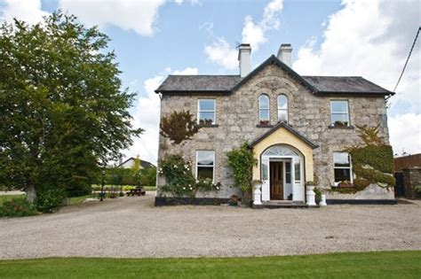 The Brook Farm Murders bed breakfast accommodation kinnitty offaly r42 k681 b