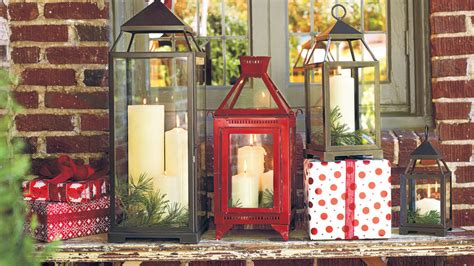 how to decorate with pictures 100 fresh christmas decorating ideas southern living