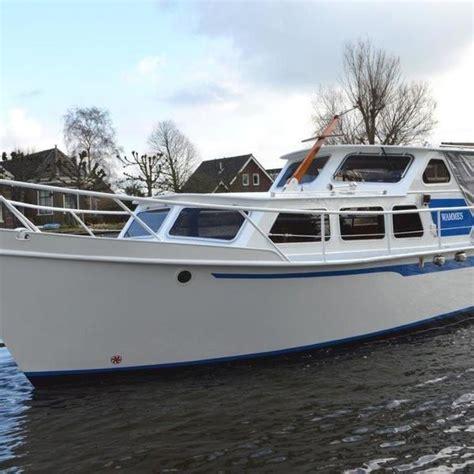 crescent roeiboot boot huren leiden en de kaag botentehuur nl