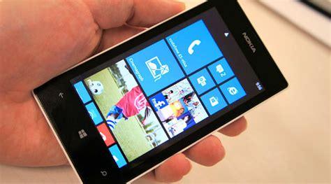 lumia 520 masih menjadi windows phone terlaris dunia nokia lumia 520 jadi smartphone terlaris windows phone
